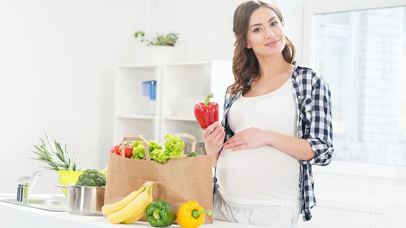 Chế độ ăn cho bà bầu đóng vai trò quan trọng với sự phát triển của thai nhi