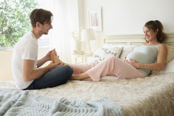 Cách chăm sóc bà bầu 3 tháng đầu để có một thai kỳ khỏe mạnh 2
